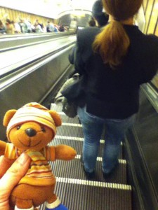 地下鉄のエスカレーター