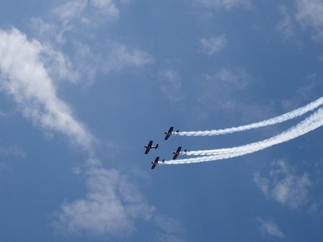 飛行機4機