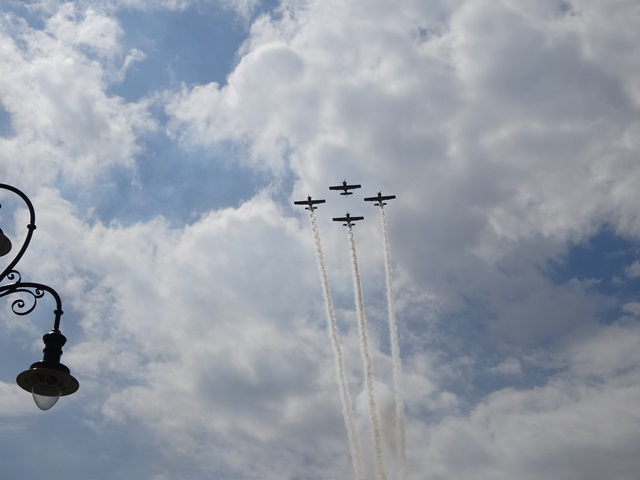 飛行機4機・2
