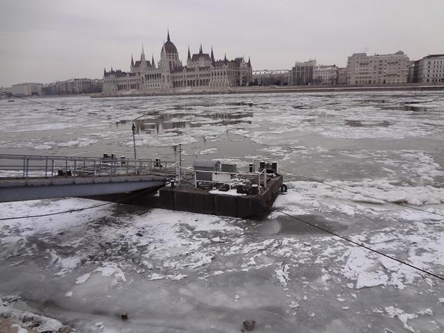 ドナウ川流氷