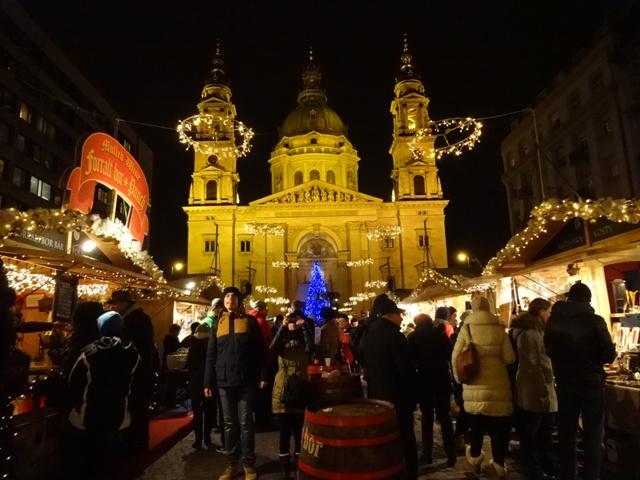 大聖堂のクリスマスマーケット