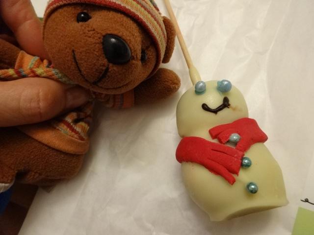 雪ダルマのお菓子