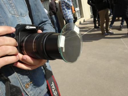 カメラに装着するタイプ