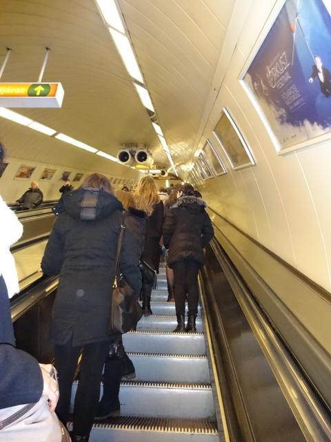 地下鉄エスカレーター2