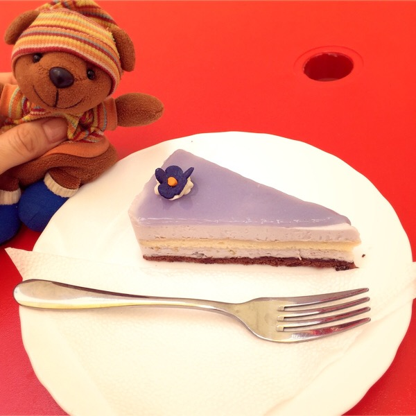 スミレのケーキ