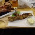 トリ肉の串焼き