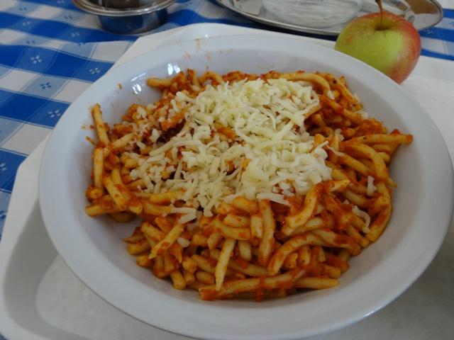 ツナ入りトマト・パスタ