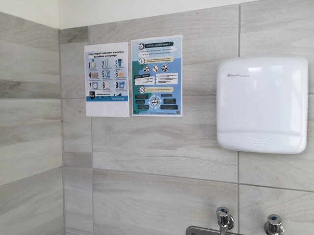 女子トイレの貼り紙