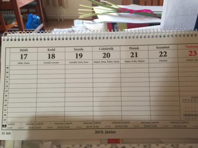 カレンダー 先週